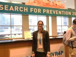 Marit van Gils standing at a HIVR4P desk